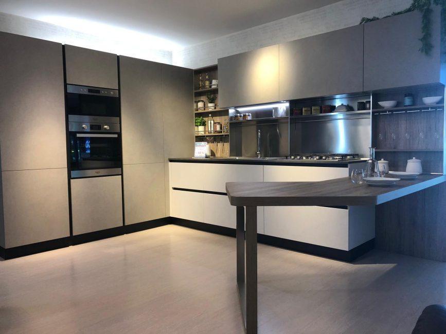 Veneta Cucine Catalogo 2019.Promozione Veneta Cucine Guerino Fava Mobili Cucine Al 50 Di Sconto